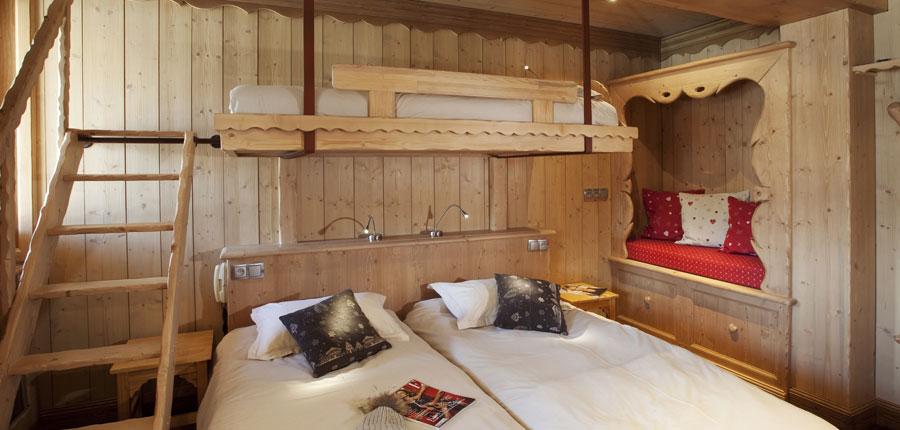 france_espace-killy_tignes_hotel_le_paquis_bedroom.jpg
